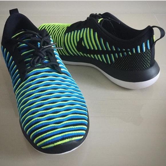Nike Roshe Two Flyknit Women's black green shoes